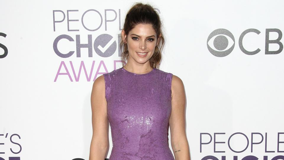 Twilight star Ashley Greene arrives at the People's Choice Awards 2017. (AFP)