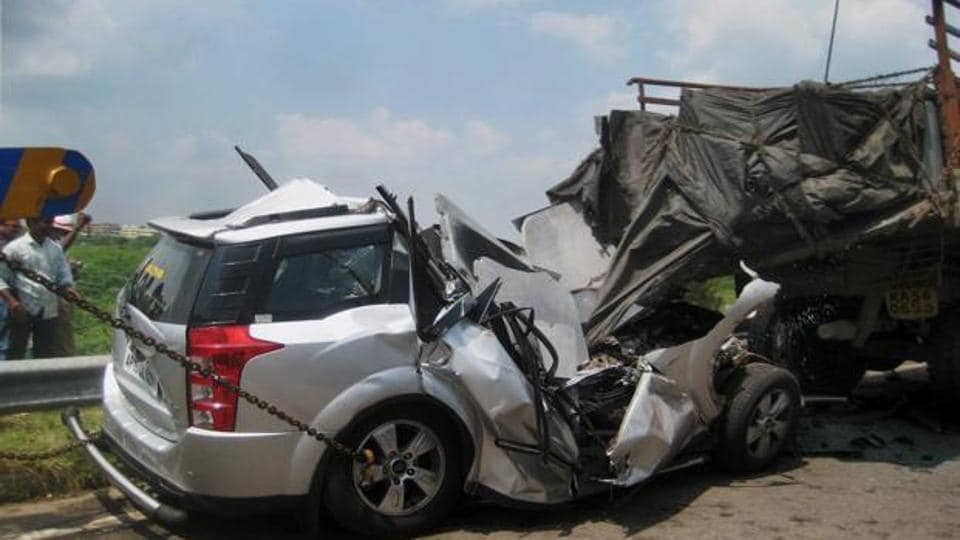 Gujarat Car Accident On Nh 8 Six Killed Including Two