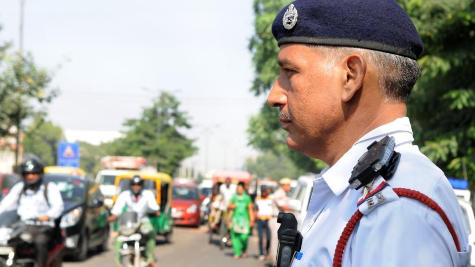 Gurgaon police,Gurgaon traffic cops,body cameras
