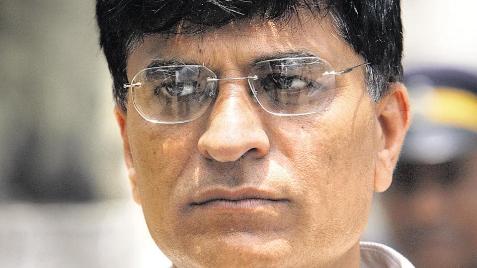 Speaking to Marathi television channel IBN Lokmat on Thursday, Kirit Somaiya trained guns directly on Thackeray and his family, questioning how long Mumbai would tolerate the rule of a single family and party. In the same breath, he called for a civic body free of 'mafia raj.'