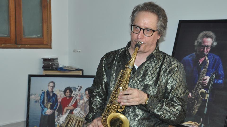 Roger Hanschel playing Kajri on Saxophone in Varanasi.