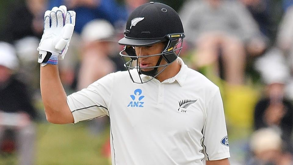 Ross Taylor became the third New Zealand cricketer after Martin Crowe and Brendon McCullum to go past 6000 runs in Tests.