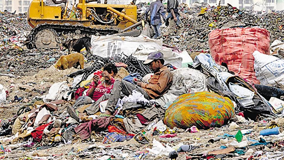 Anil Baijal visited the landfill with the three commissioners of the municipal corporations, secretary (power), secretary to the Lieutenant Governor, officers of the L-G's secretariat and agencies concerned.