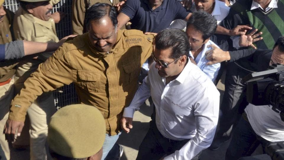 Salman Khan at Jodhpur court after being acquitted in the Arms Act violation case. (Ramji Vyas/HT Photo)