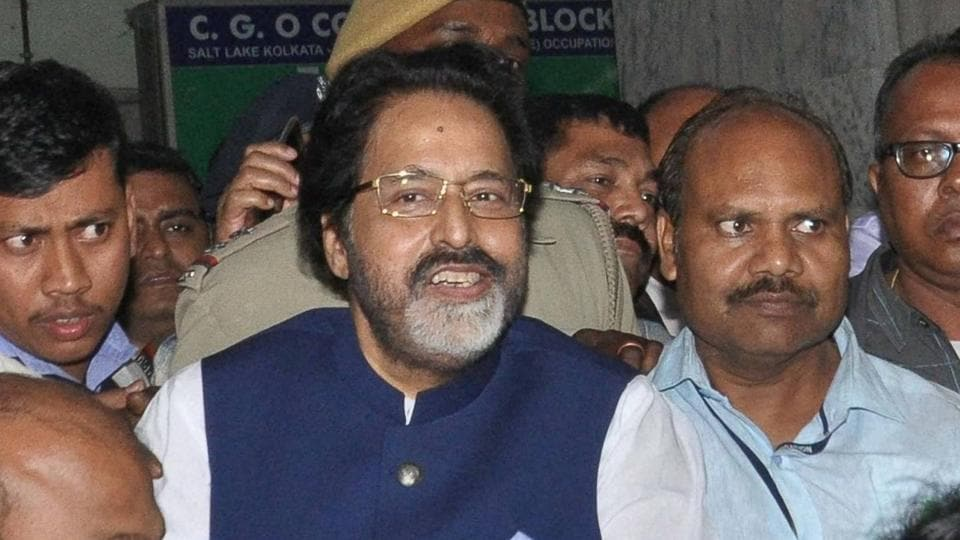 TMC MP Sudip Bandopadhyay being taken by CBI officers to Bhubaneswar for further inquiry who was arrested in connection with Rose Valley chit fund scam.