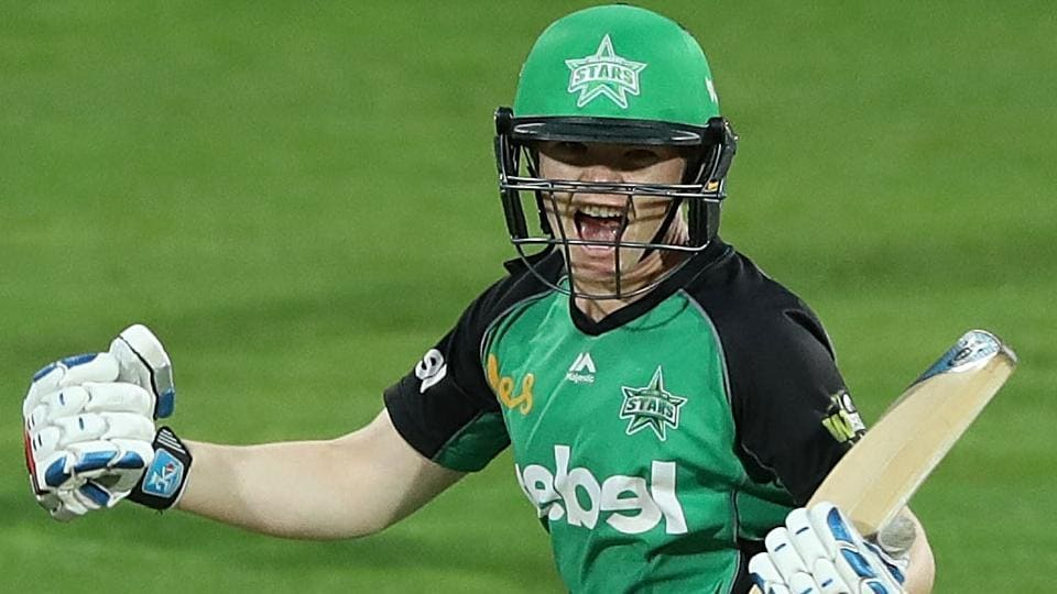 Jess Cameron hit 12 off two deliveries to give Melbourne Stars a thrilling win over Hobart Hurricanes in a Women's Big Bash League match.