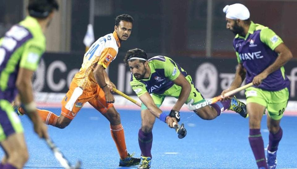 Kalinga Lancers  beat Delhi Waveriders to start the Hockey India League campaign with a victory.