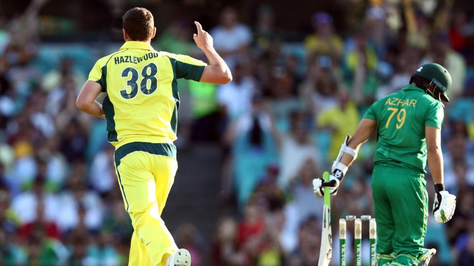 Australia beat Pakistan by 86 runs in the Sydeney ODI to take an unbeatable 3-1 lead in the 5-match series.