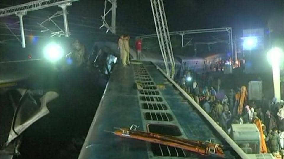 Andhra Pradesh,Train accident,Hirakhand Express derailed