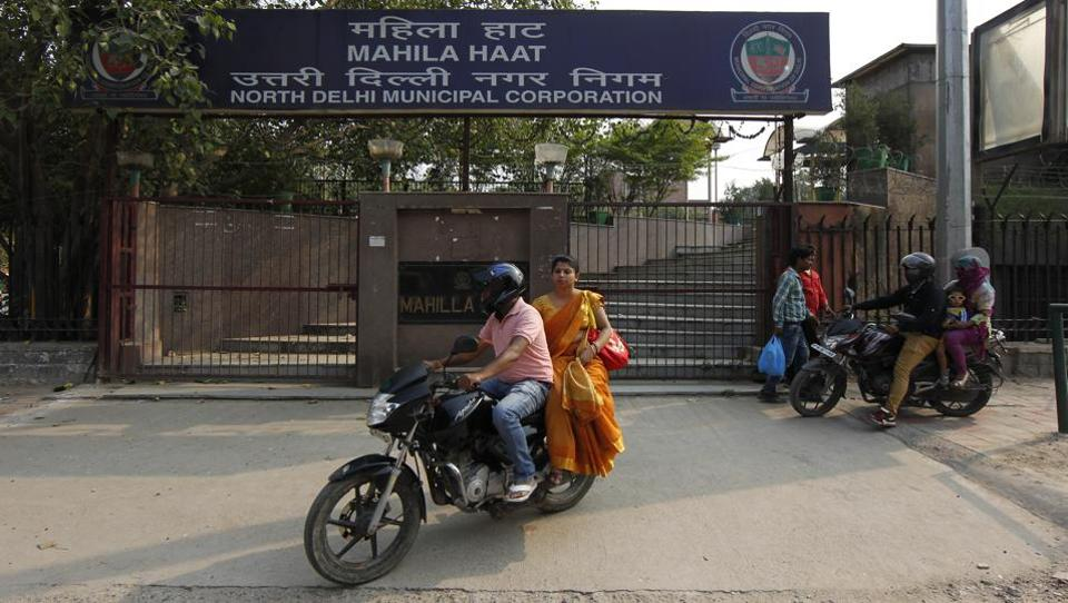 Delhi's first Mahila Haat was constructed above the Asaf Ali Road car parking and inaugurated in November 2012 for women artisans who wanted to showcase their merchandise.