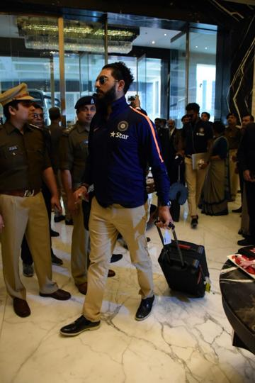 Yuvraj Singh along with the Indian team arrived in Kanpur on Monday for the first T20I.  (Manoj Yadav / HT Photo)