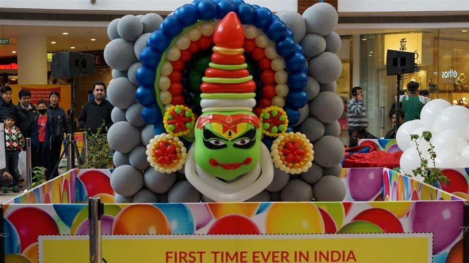 Delhi's Select City Walk has organised a one-of-its-kind festival - International Balloon Art Festival from January 14-27. This weekend, there was special live stage performance by international balloon artists.  (Select City Walk)
