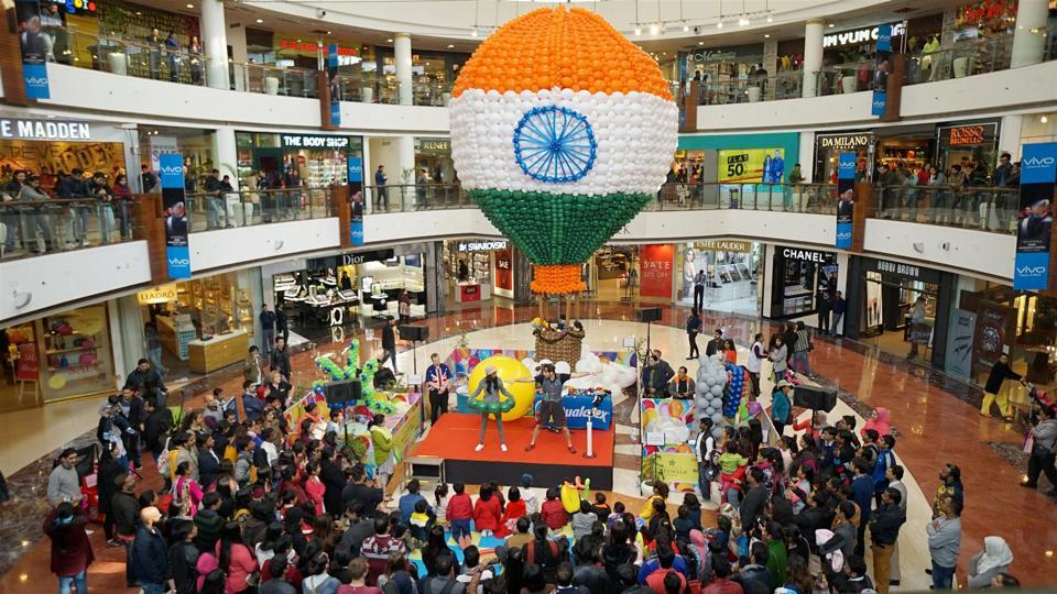 A 30-feet tri-coloured hot air balloon installation made of Balloons to celebrate Republic Day.  The installation is created by International Balloon Artist Fiona Fischer. She has been one of the world's most renowned balloon artists for 18 years and has travelled the world installing large scale balloon decor and teaching her skills at balloon conventions and events. Her specialty is decorating large shopping malls to draw in and amaze customers with her design and creativity with balloons. (Select City Walk)