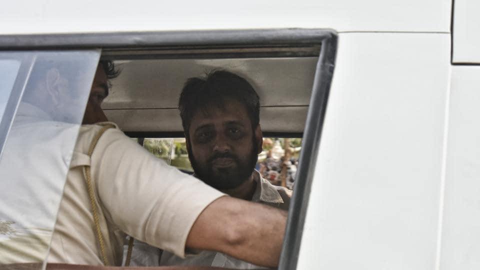 Delhi Police-AAP tussle