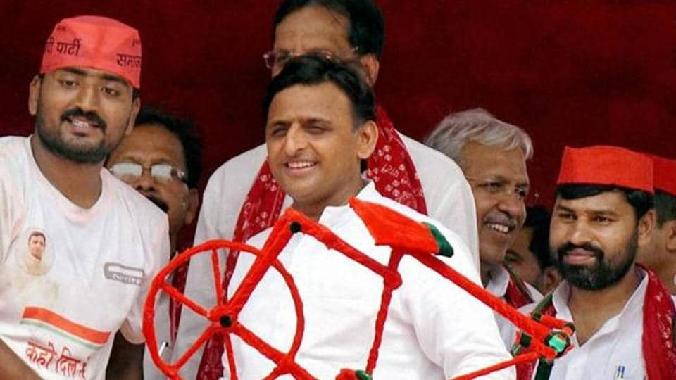 The Akhilesh Yadav (centre)-led Samajwadi Party and Congress alliance is one that came about after months of negotiations and doubt.
