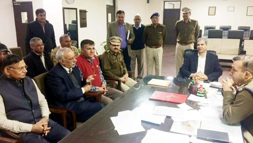 Gurgaon deputy commissioner Hardeep Singh and police commissioner Sandeep Khirwar appealed to the Jat leaders to maintain peace and amity in the entire Gurgaon district.