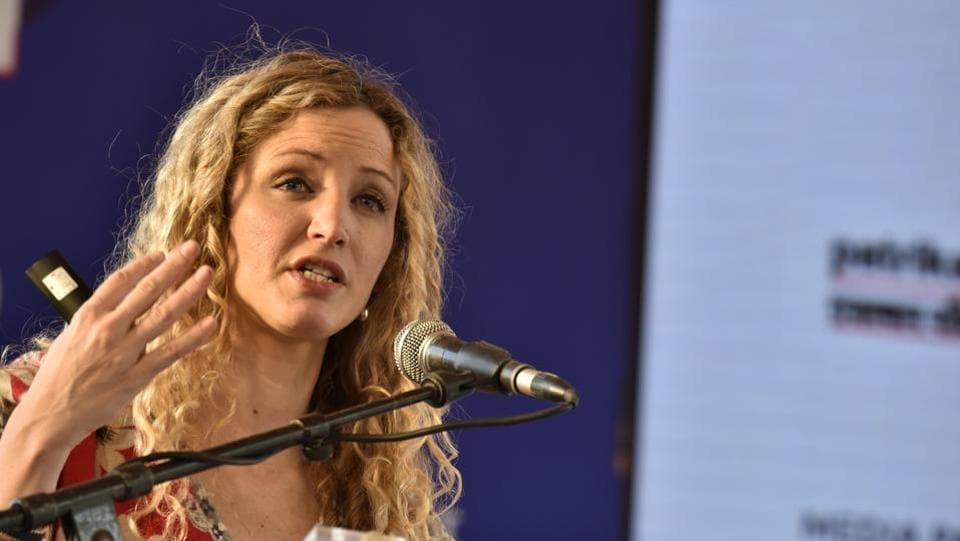 Suzannah Lipscomb speaks at 'Henry VIII and Anne Boleyn: The Lovers Who Changed History' session. (Saumya Khandelwal/HT PHOTO)