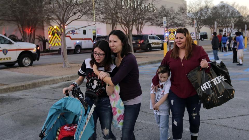 San Antonio mall shooting,Deadly shooting,Mall robbery