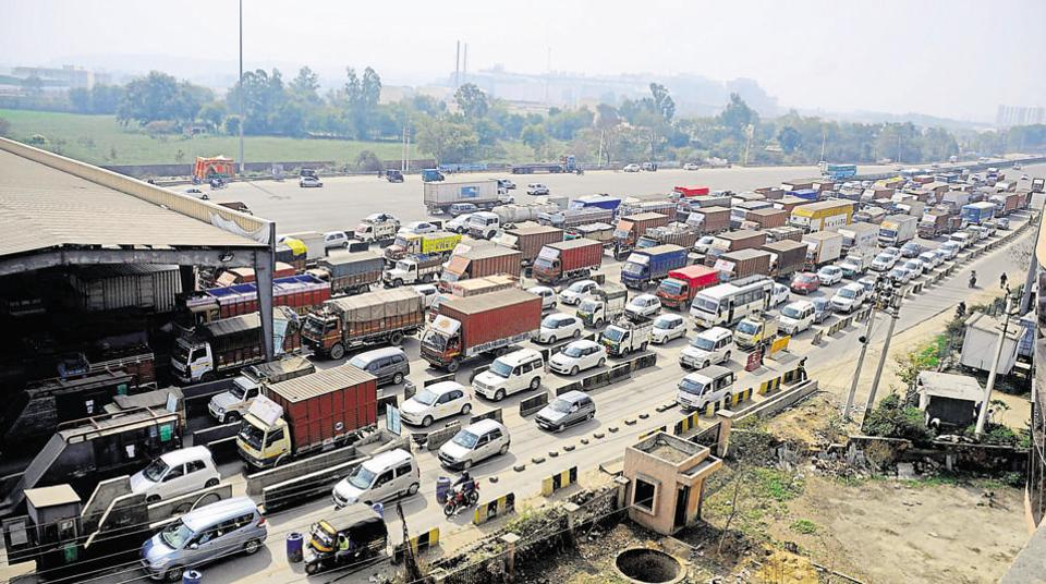Industrialists alleged that traffic jams are resulting in losses for them.