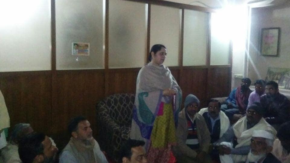 Mriganka Singh, daughter of BJP leader Hukum Singh, addressing party workers.