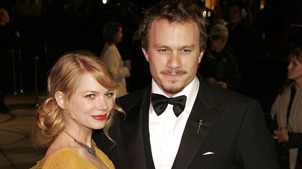 Michelle Williams and Heath Ledger at Vanity Fair Oscar Party, Mortons Restaurant in West Hollywood, Los Angeles in 2006
