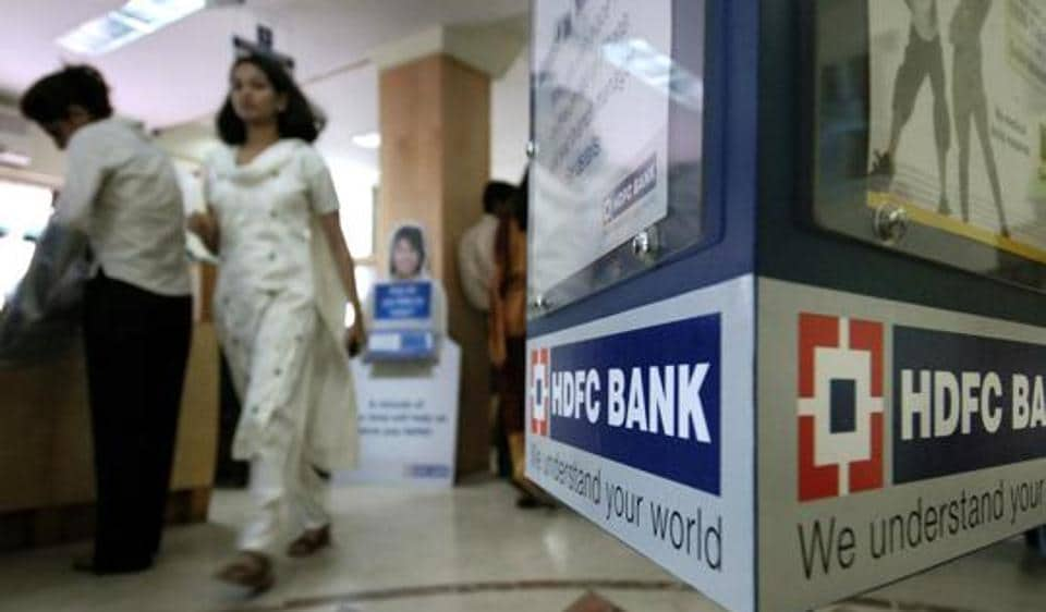 HDFC Bank today reported a 15.14% growth in net profit to Rs 3,865.33 crore for the third quarter of the current fiscal.