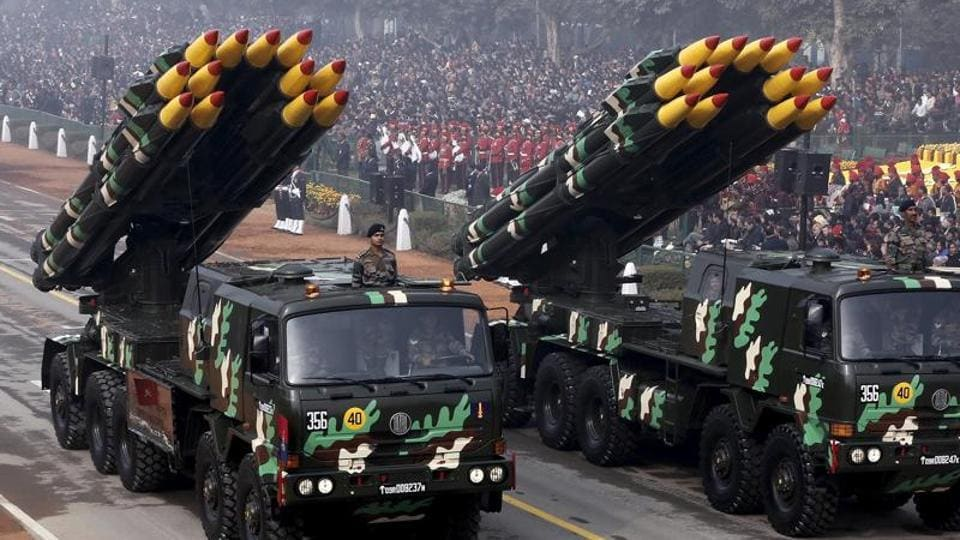 Indian army officers stand on vehicles displaying missiles during the Republic Day parade in New Delhi, India, January 26, 2016. REUTERS/Altaf Hussain - RTX2421S