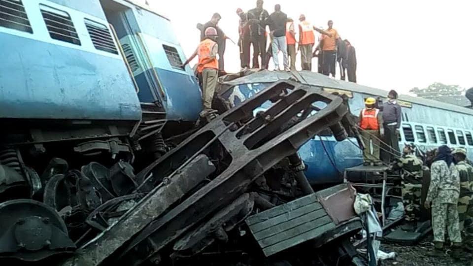 Jagdalpur-Bhubaneswar Hirakhand Express derails between Jamadaipur-Kuneru station near Raygada.