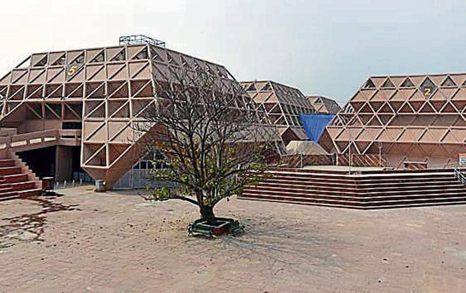 Pragati maidan,class Integrated Exhibition-cum-Convention Centre,Vigyan Bhavan