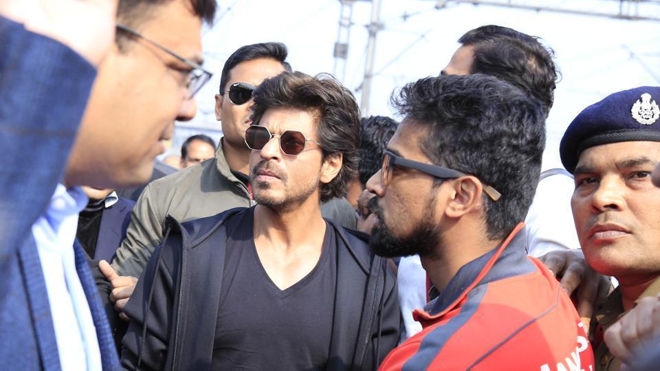Shah Rukh Khan arriving at Hazrat Nizamuddin railway station on January 24.