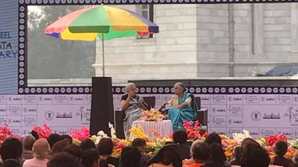 Novelist Anita Desai in conversation with scholar Supriya Chaudhuri at the Kolkata Literary Meet 2017.
