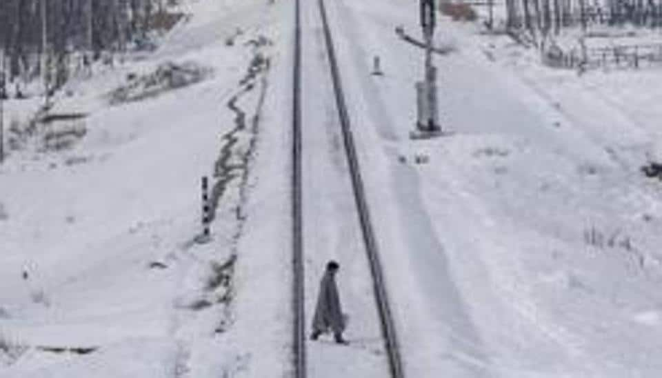 Surface and air links between the Kashmir Valley and the outside world remained suspended on Wednesday as fresh snowfall disrupted normal life here.
