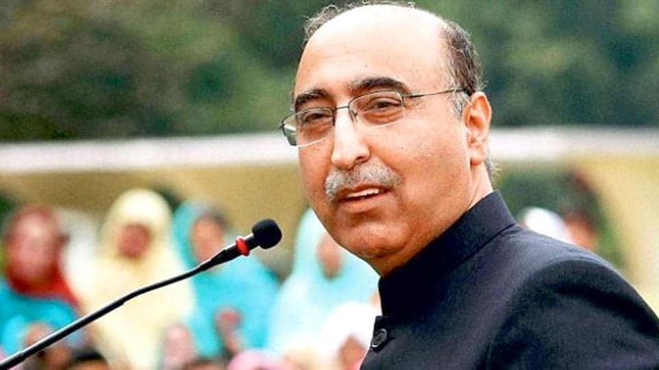 In August 2014, India had called off talks between foreign secretaries of the two countries, strongly objecting to consultations Pakistan high commissioner Abdul Basit had with Kashmiri separatist leaders.