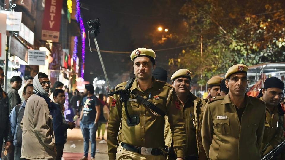 The Delhi Police, one of the largest metropolitan police forces in the world with a current strength of 76,000, requires an additional 54,482 posts to improve policing in the capital.