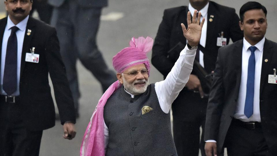 For the special day, the PM chose to go with monochromes, except for his stand-out statement pagdi.