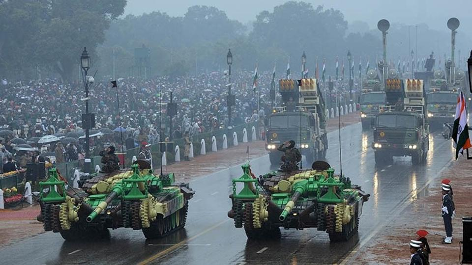 Delhi saw light rains on Thursday morning but city dwellers came out in large numbers to celebrate the 68th Republic Day at the historic Rajpath.
