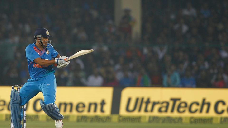 MS Dhoni slammed 36 off 27 balls but India could manage only 147/7 after 20 overs. (BCCI)