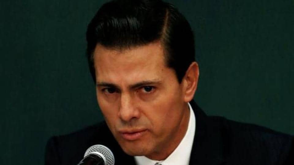 MMexico's president says he rejects the decision by US President Donald Trump to build a border wall and repeated that his country would not pay for it.