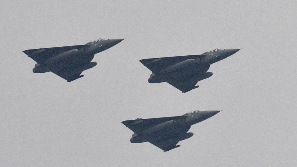 Indian made fighter aircraft Tejas debut at the Republic Day in New Delhi. (Mohd Zakir/HT photo)