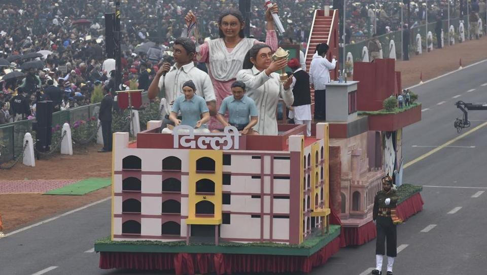 Delhi's tableau featured a replica of the iconic Jantar Mantar and Ludlow Castle, a heritage building that wasurned into a high school after Independence of India