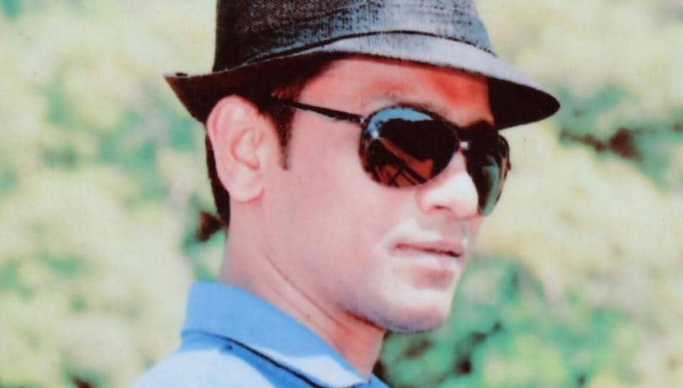The police, the accused, Jayesh Raghunath Mhadlekar and his wife, Shreya, had been living separately before the incident