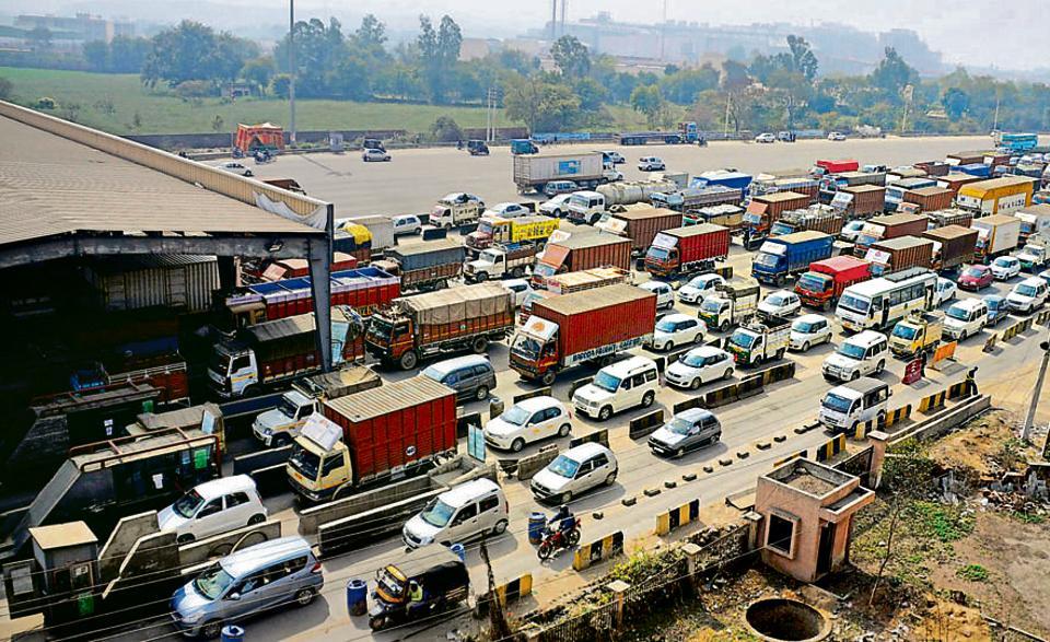 Delhi-Gurgaon expressway,Kharki Daula toll plaza,NH8 traffic