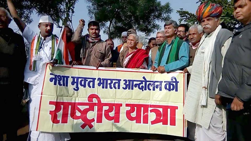 Social activists, led by Narmada Bachao Andolan leader Medha Patkar, demand ban on liquor in Bharatpur on Saturday.