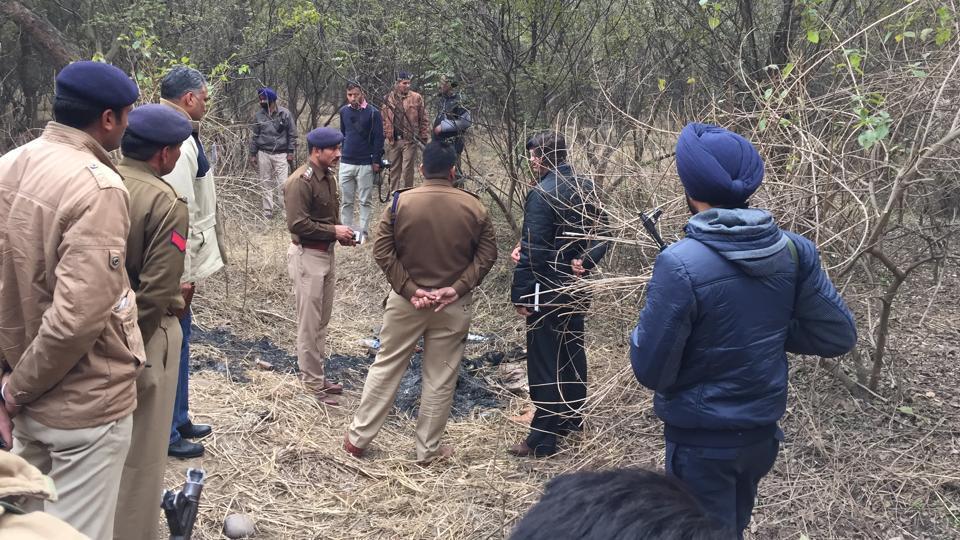 Chandigarh,half-burnt,unidentified body