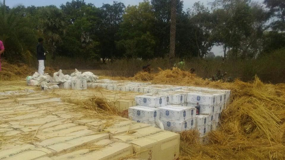 Police seize 4,000 cartons of Liquor from Jharkhand's Koderma district