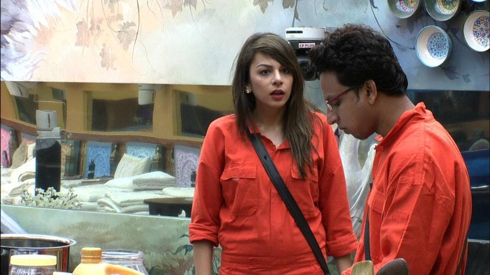 Nitibha clearly not happy with whatever Navin Prakash just did.