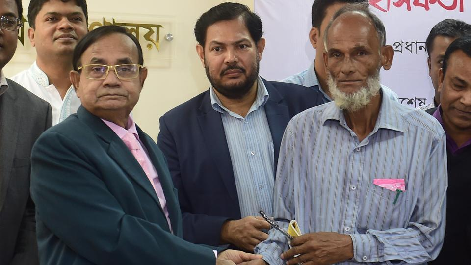 Last month, a railway lineman, Billal Hossain Mazumder, also risked his life by dragging a man off the track a moment before a train approached. He was rewarded by the authorities.