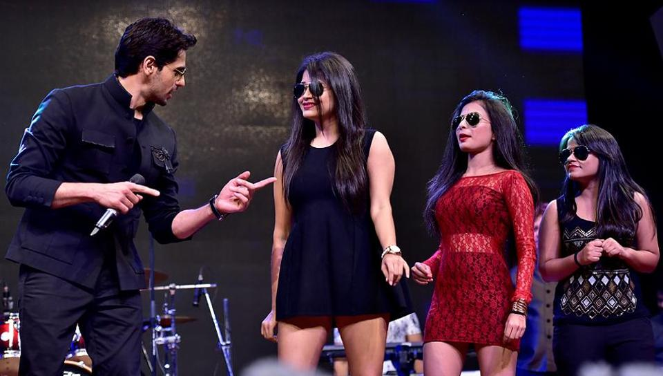 Actor Sidharth Malhotra during the function. (Arijit Sen/HT PHOTO)