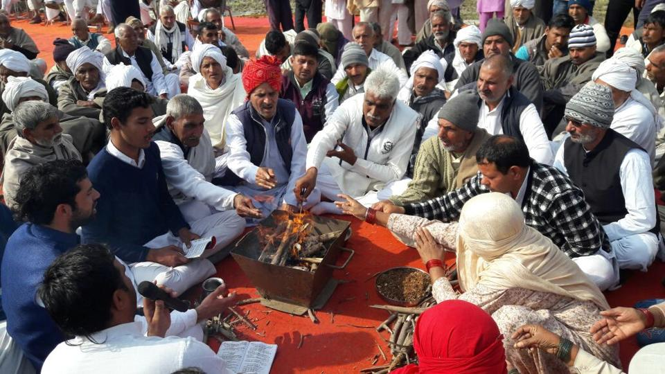 Jat group performing havan in Jassia village before starting their protest.