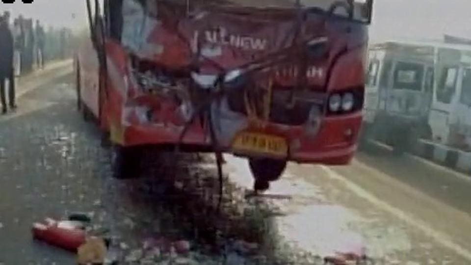 Car accident,Accident on Highway,Jaipur Agra highway